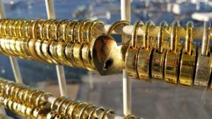 ポートタワー ハートの南京錠